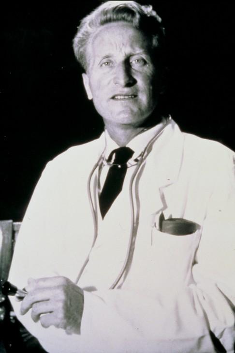 クラウス・マルテン医師